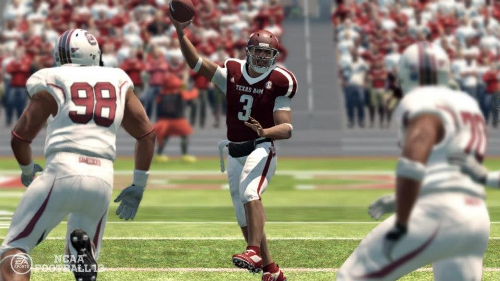 a48d1301b Today the Uniform Store for NCAA Football 13 opened up on the PlayStation 3  marking a nearly two week wait after those on the 360 gained access.